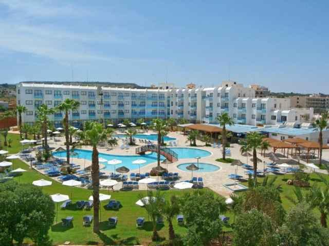 Papantonia Hotel and Apartments