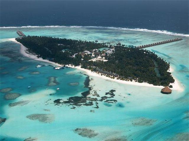 Download this Meeru Island Resort picture