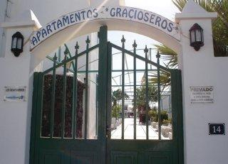 Los Gracioseros Apartments