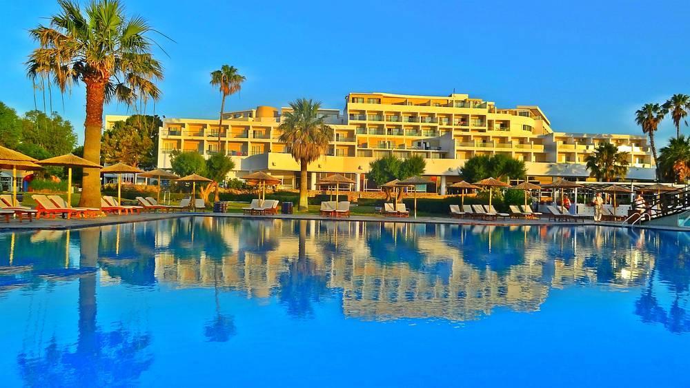 Holidays at Doreta Beach Resort in Tholos, Rhodes