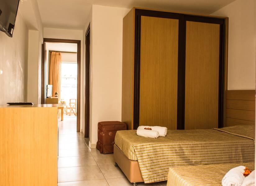 Mediterraneo Hotel, Hersonissos, Crete, Greece. Book Mediterraneo Hotel online