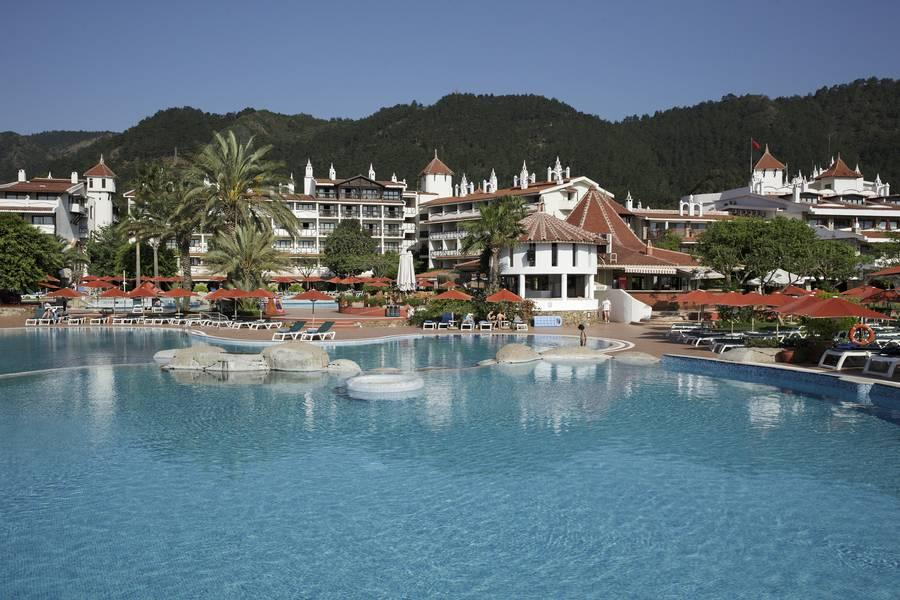 Holidays at Marti Resort Deluxe in Icmeler, Dalaman Region