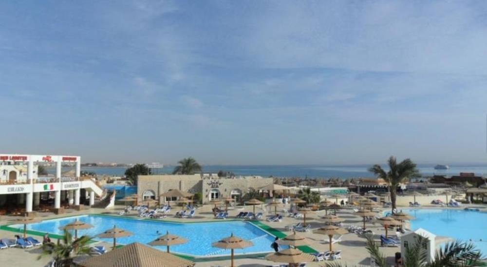 Holidays at Aladdin Beach Resort Hotel in Safaga Road, Hurghada