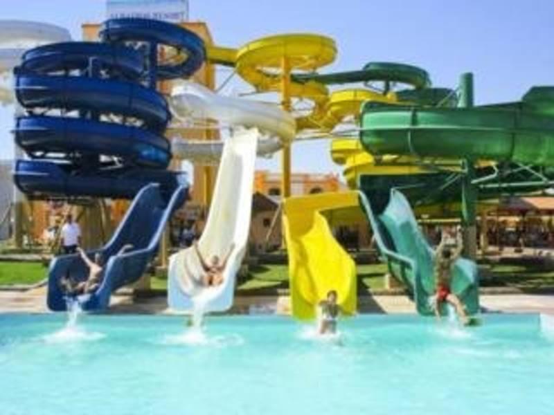 Holidays at Beach Albatros Resort Hurghada in Safaga Road, Hurghada