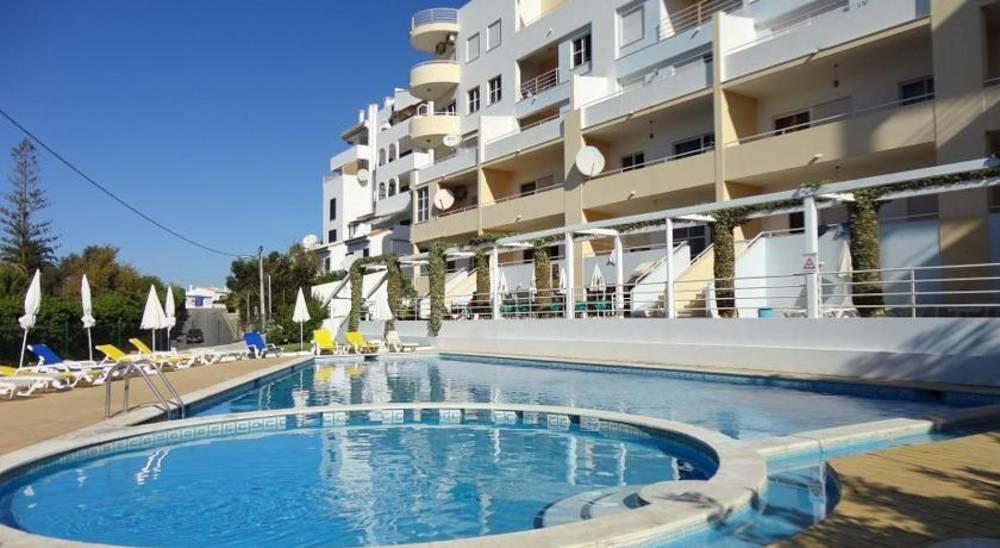 Holidays at Maralvor Apartments in Alvor, Algarve