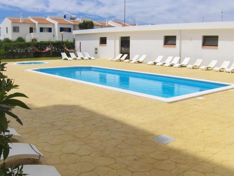Holidays at Via DonAna Apartments in Lagos, Algarve