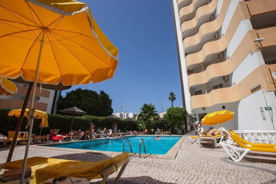 Holidays at Atismar Hotel in Quarteira, Algarve