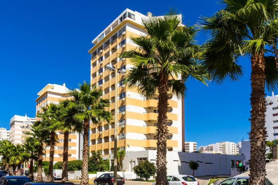 Holidays at Atismar Hotel in Quarteira, Algarve