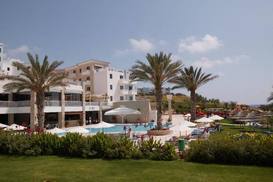 Holidays at St George Gardens Hotel in Chloraka, Cyprus