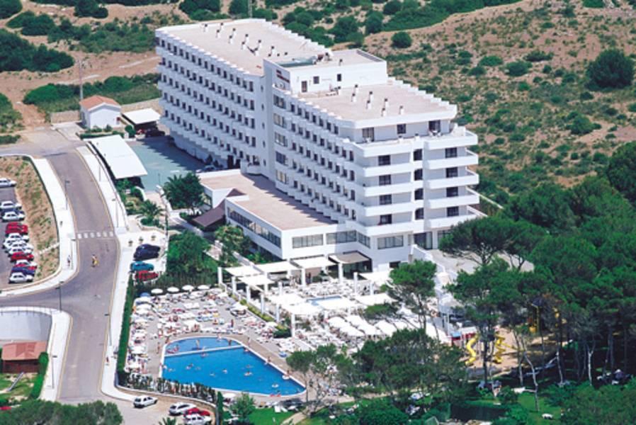 Holidays at Stil Victoria Playa Hotel in Santo Tomas, Menorca