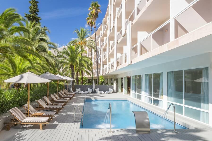 Holidays at Sol Beach House Mallorca in Palma Nova, Majorca