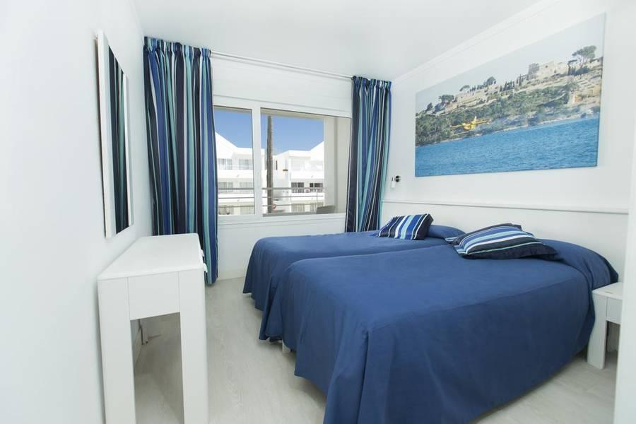 Holidays at Habitat Apartments in Puerto de Pollensa, Majorca