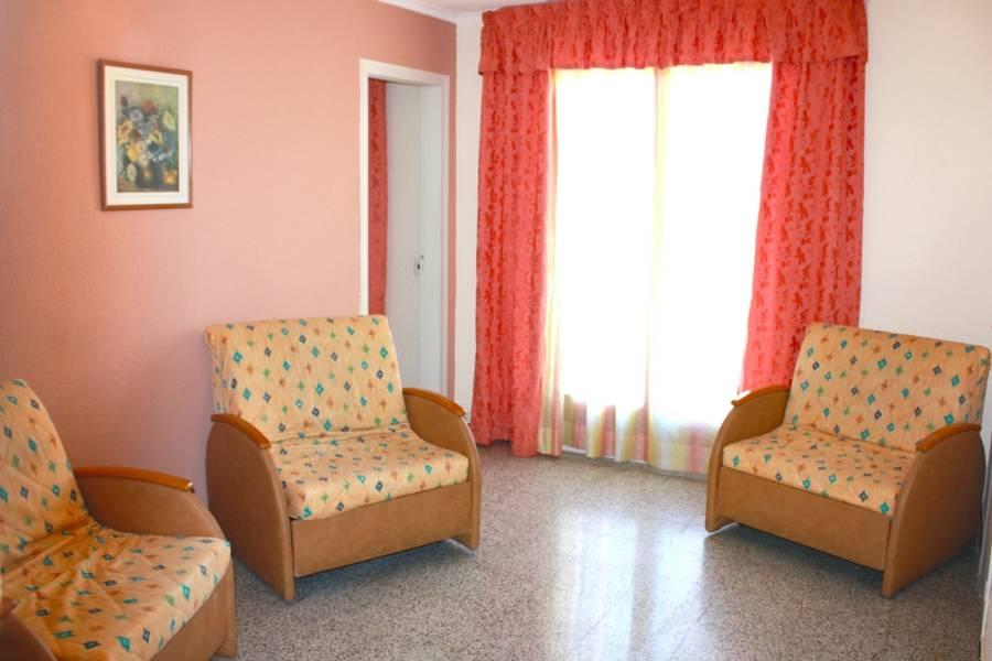 Holidays at H Top Paradis Park Aparthotel in Pineda de Mar, Costa Brava