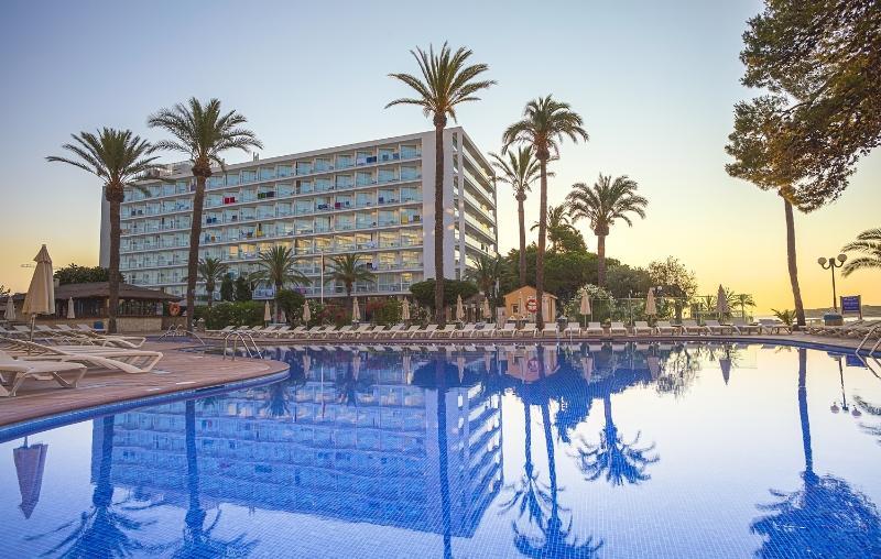 Holidays at The Ibiza Twiins in Playa d'en Bossa, Ibiza