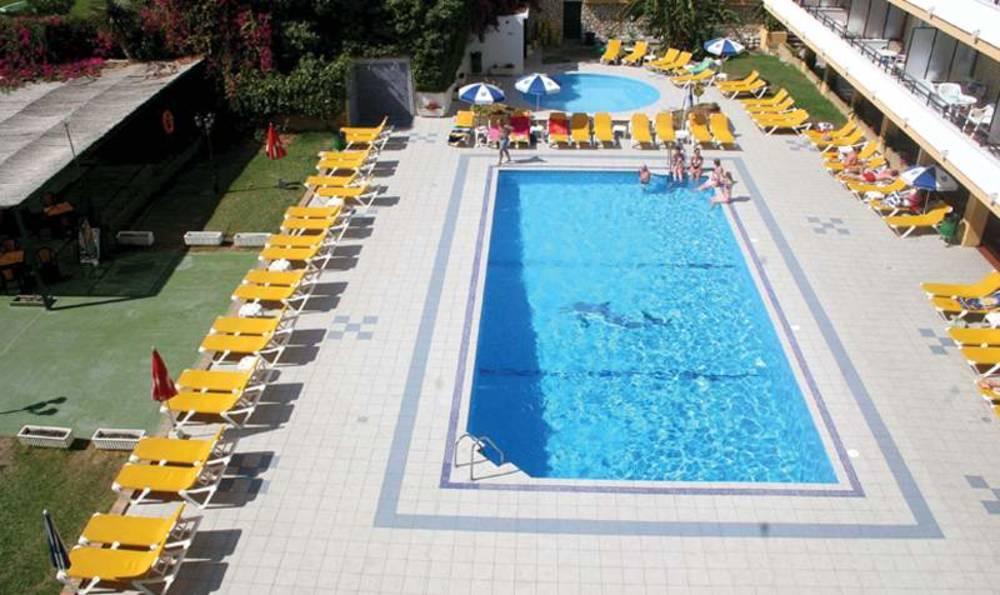 Holidays at Buensol Apartments in Torremolinos, Costa del Sol