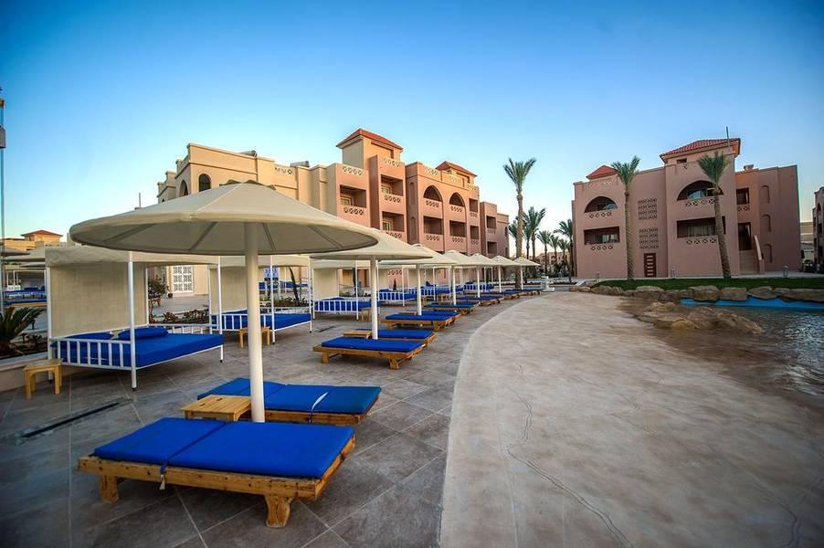Holidays at Pickalbatros Sea World Resort in Safaga Road, Hurghada