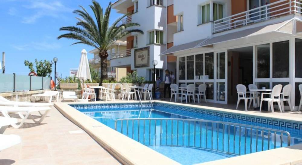 Holidays at Baulo Mar Apartments in Ca'n Picafort, Majorca