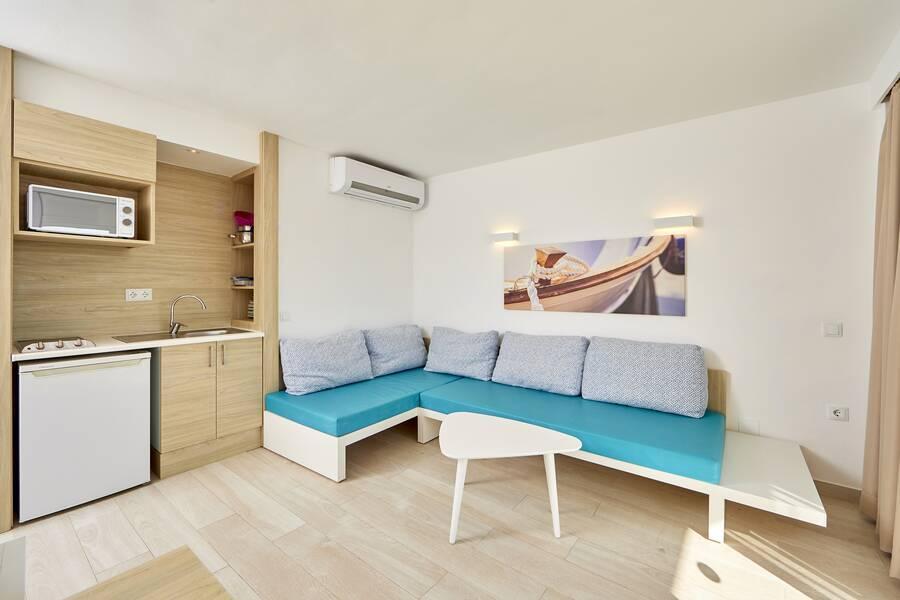 sun beach apartments santa ponsa majorca spain book sun beach apartments online