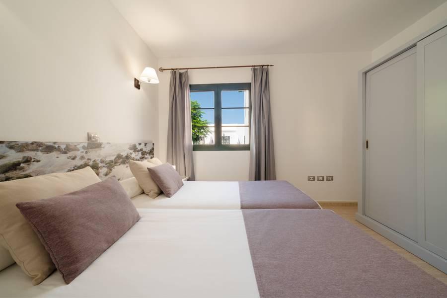 Santa Rosa Apartments, Costa Teguise, Lanzarote, Canary ...