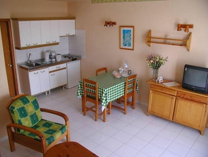 Playa pocillos apartments matagorda lanzarote canary - Apartamentos baratos en lanzarote puerto del carmen ...