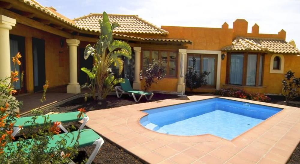 Holidays at Brisas Del Mar Villas in Corralejo, Fuerteventura