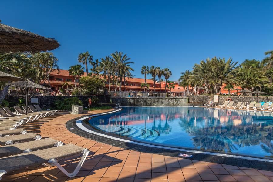 Holidays at Oasis Village Apartments in Corralejo, Fuerteventura