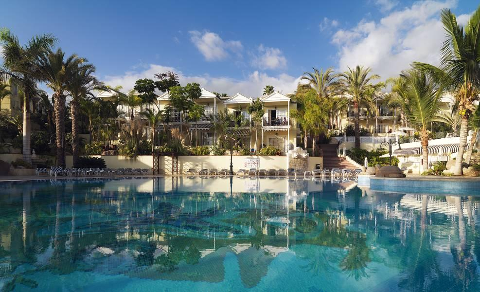 Holidays at Gran Oasis Resort Apartments in Playa de las Americas, Tenerife