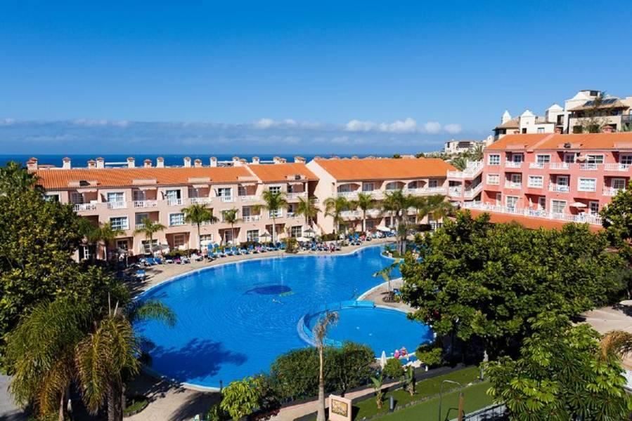 Holidays at El Duque Apartments in El Duque, Costa Adeje