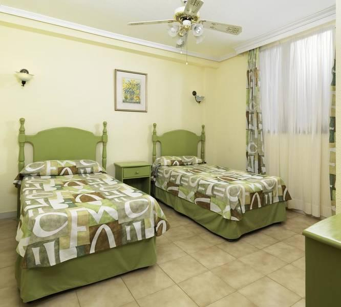Holidays at Paradise Court Apartments in Torviscas, Costa Adeje