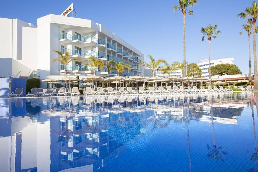 Holidays at Hipotels Cala Millor Park Aparthotel in Cala Millor, Majorca