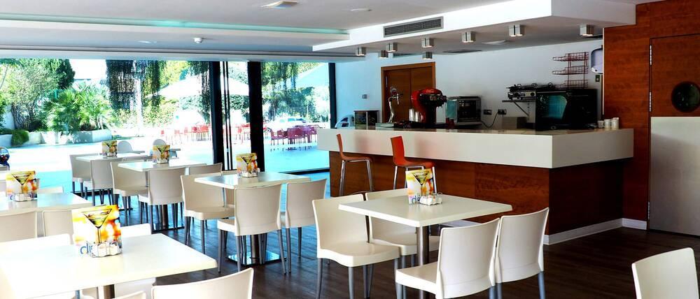 Deloix aqua centre hotel benidorm costa blanca spain for Hoteles familiares en benidorm