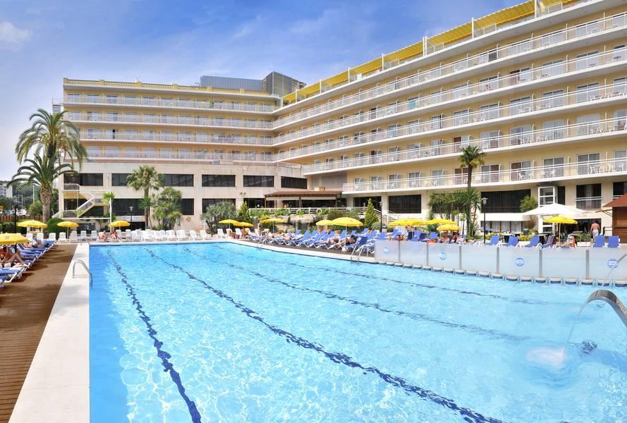Holidays at Oasis Park Hotel in Lloret de Mar, Costa Brava