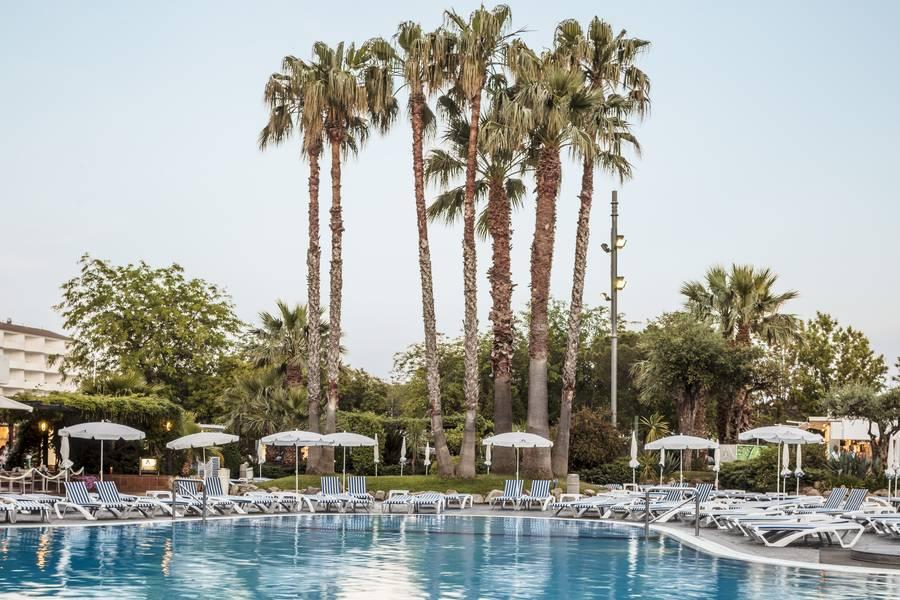 Holidays at Aqua Hotel Aquamarina in Santa Susanna, Costa Brava