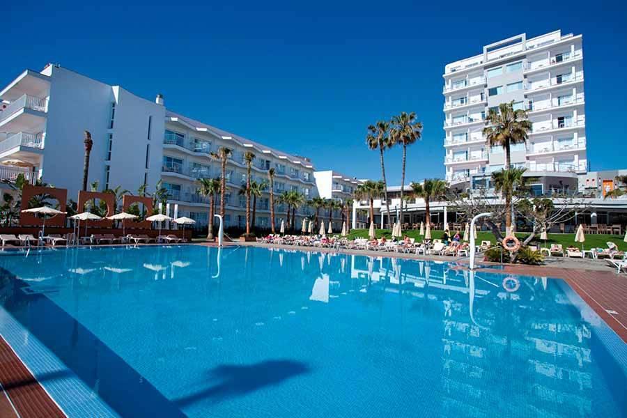 Holidays at Riu Nautilus Hotel in Torremolinos, Costa del Sol