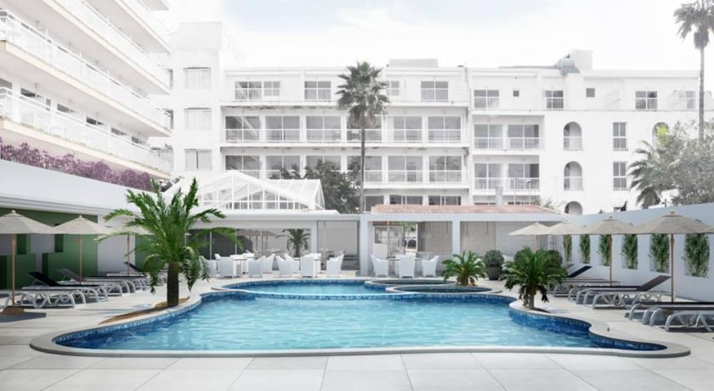 Holidays at Catalonia del Mar Hotel in Cala Bona, Majorca
