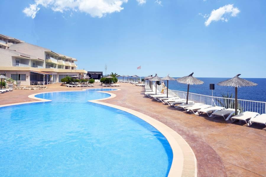 HSM Calas Park Apartments, Calas de Mallorca, Majorca, Spain. Book HSM  Calas Park Apartments online