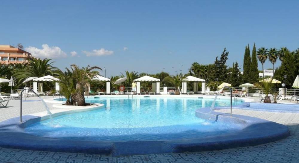 Holidays at Playa Blanca Hotel in S'Illot, Majorca