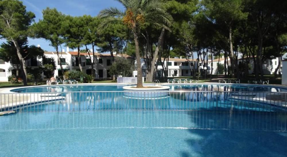Holidays at Las Brisas I and II Apartments in Cala'n Bosch, Menorca