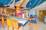 Bar in SBH Crystal Beach Hotel