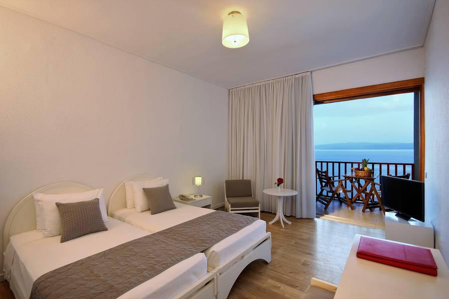 Skiathos palace hotel koukounaries skiathos greece for Hotel a skiathos
