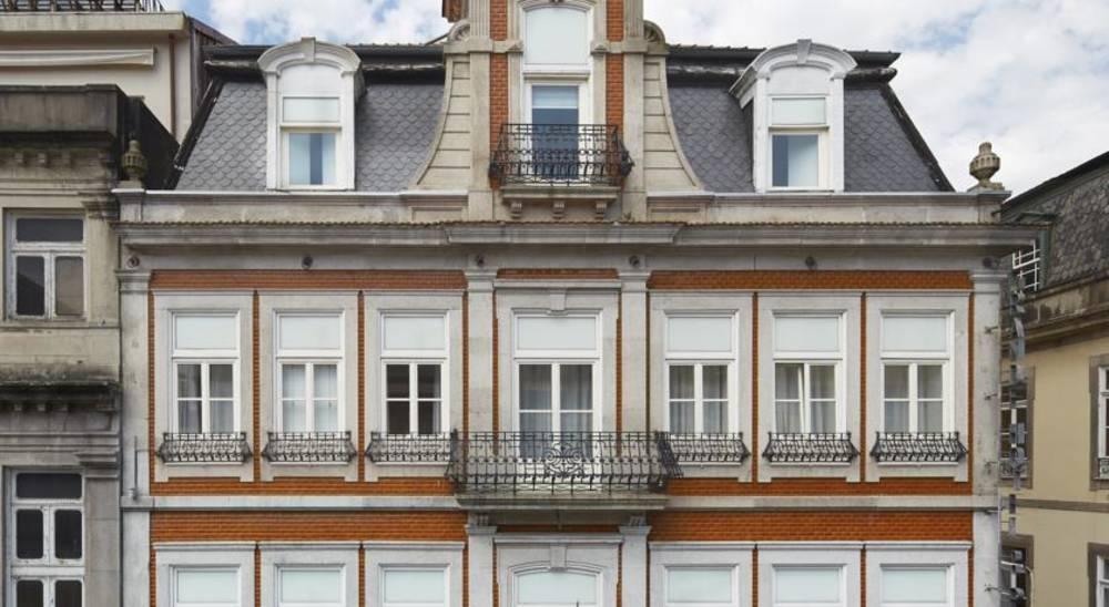 Holidays at Grande Hotel do Porto in Oporto, Portugal