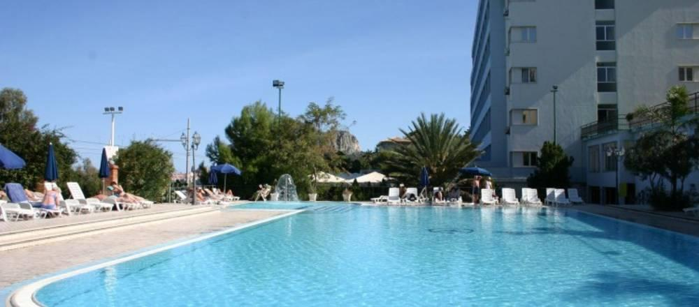 Holidays at Santa Lucia Le Sabbie D Oro Hotel in Cefalu, Sicily