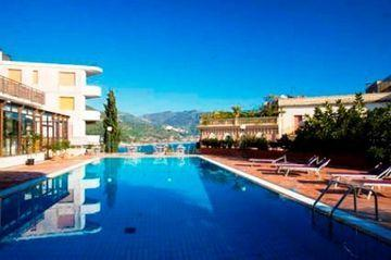 Holidays at Villa Esperia Hotel in Taormina Mare, Sicily