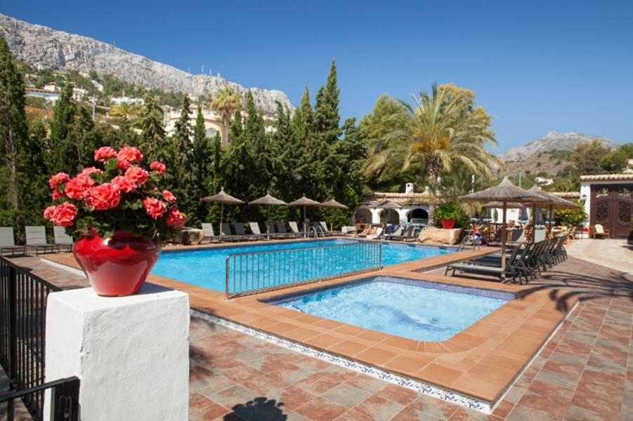 Holidays at Sunsea Village in Calpe, Costa Blanca