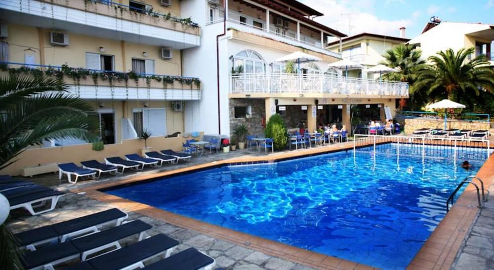 Holidays at Tropical Studio Apartments in Hanioti, Halkidiki