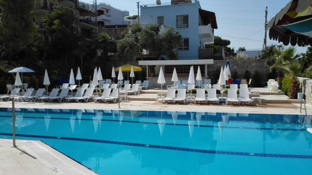 Holidays at Happy Aparthotel in Kusadasi, Bodrum Region