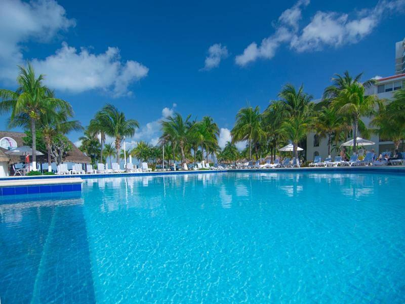 Holidays at Beachscape Kin Ha Villas and Suites Hotel in Cancun, Mexico