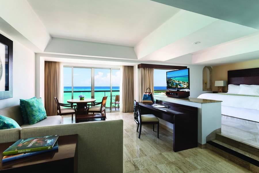 Fiesta Americana Grand Coral Beach Hotel