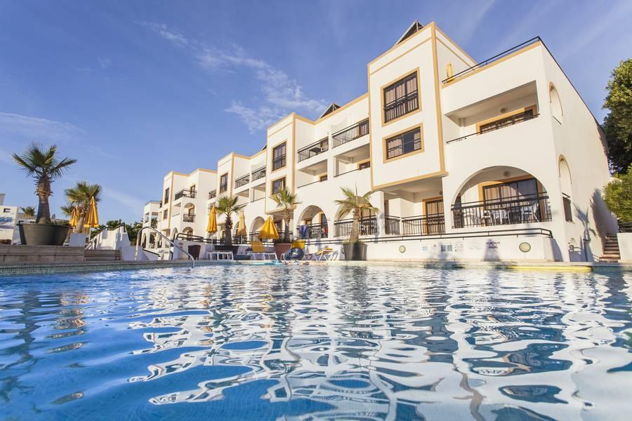 Holidays at Alfagar Cerro Malpique Apartments in Albufeira, Algarve