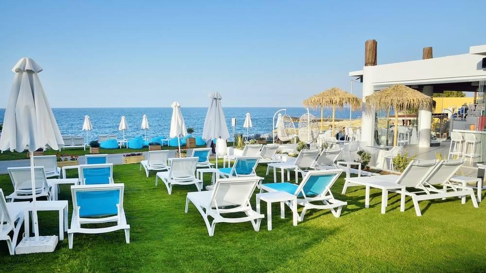 Holidays at Golden Beach Hotel in Hersonissos, Crete
